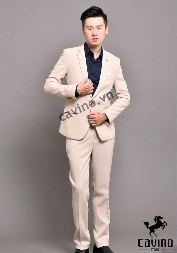 bộ vest màu trắng kem