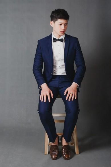 Giày kết hợp cùng vest cưới Hà Nội