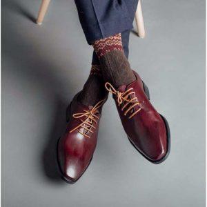 Mách bạn cách chọn giày nam đẹp hợp với dáng người
