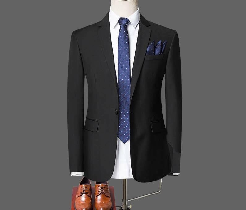 Mẫu áo vest đen tại xưởng may thiết kế CAVINO