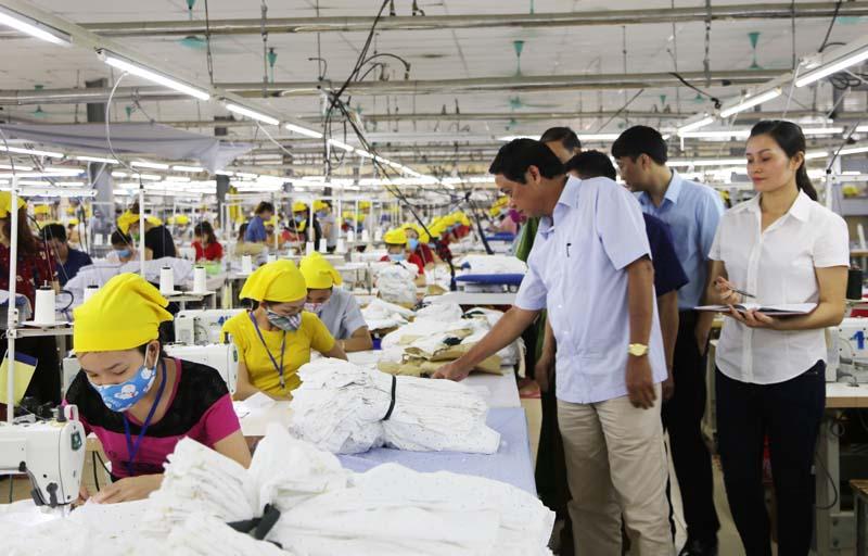 xưởng may tại Hà Nội , CAVINO là một xưởng may uy tín