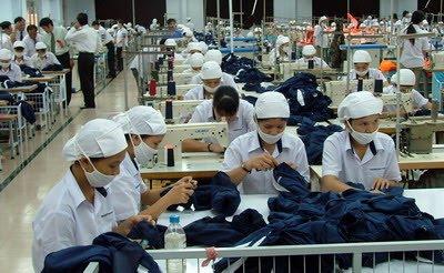 Xưởng gia công áo thun CAVINO uy tín , chất lượng