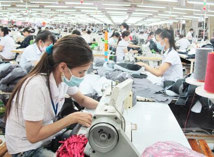 CAVINO xưởng may thời trang nhận may theo đúng yêu cầu của quý khách