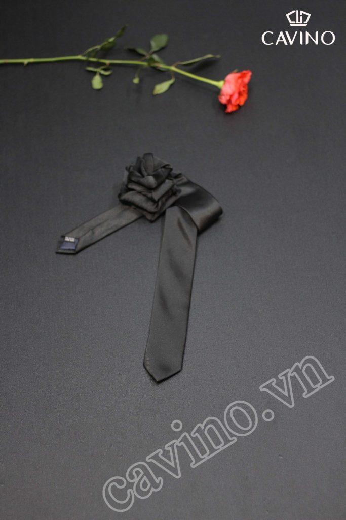 cà vạt đen trơn