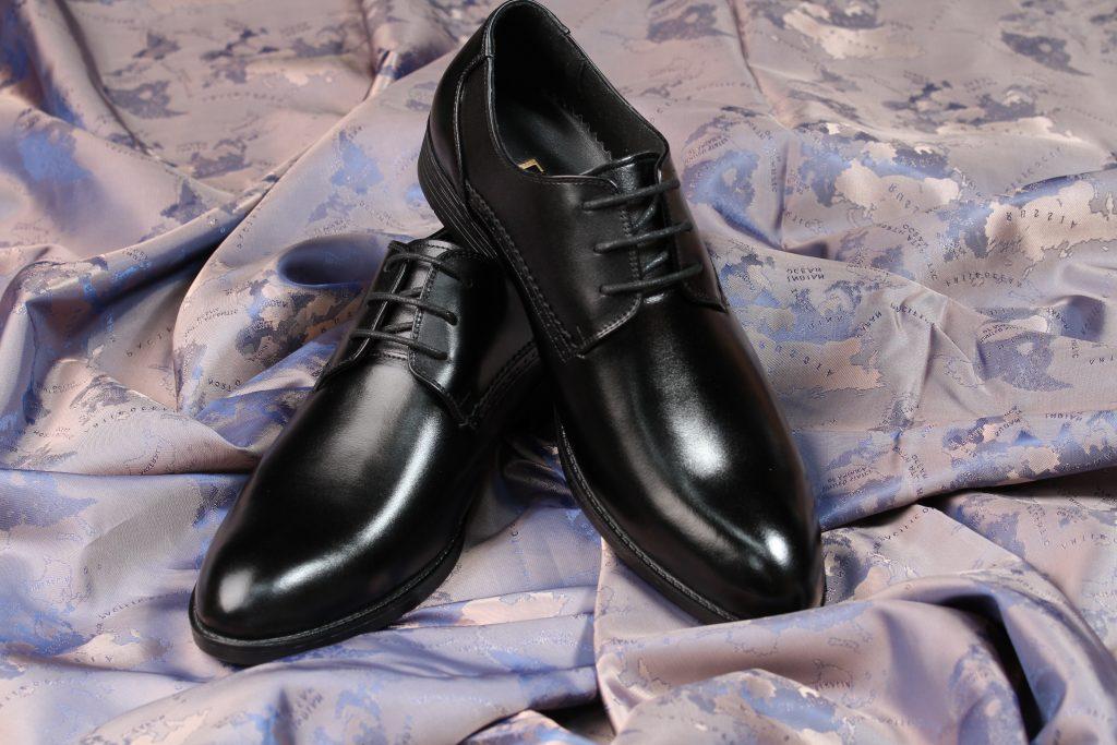 giày tây công sở màu đen buộc dây
